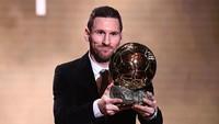 Messi Tak Layak Menangi Ballon dOr 2021 karena Pernah Dikartu Merah