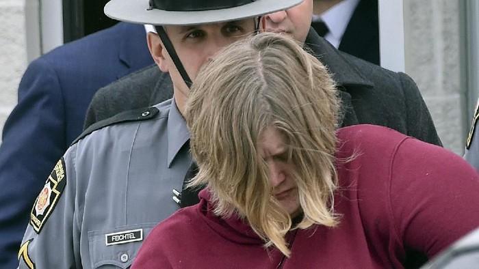 Lisa Snyder (Bill Uhrich/Reading Eagle via AP)