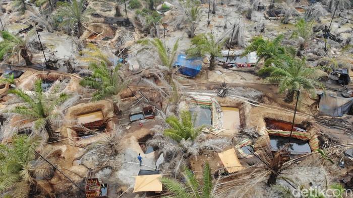 Tambang minyak ilegal di Jambi (Ferdi Almunanda/detikcom)