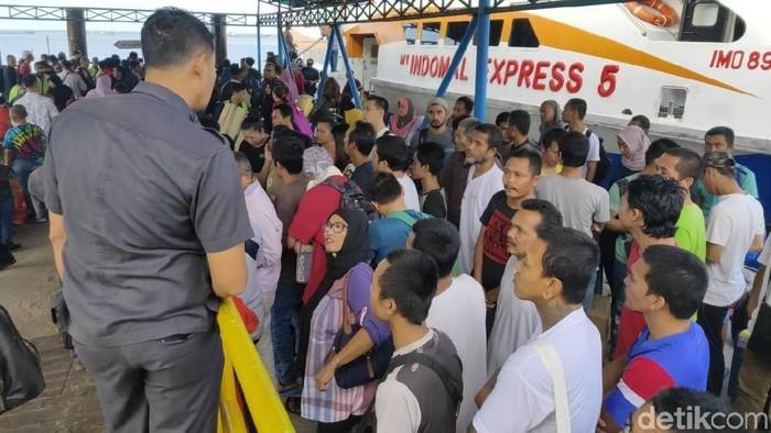 Foto: Malaysia Deportasi 53 TKI Bermasalah ke Dumai Riau (dok P4TKI)