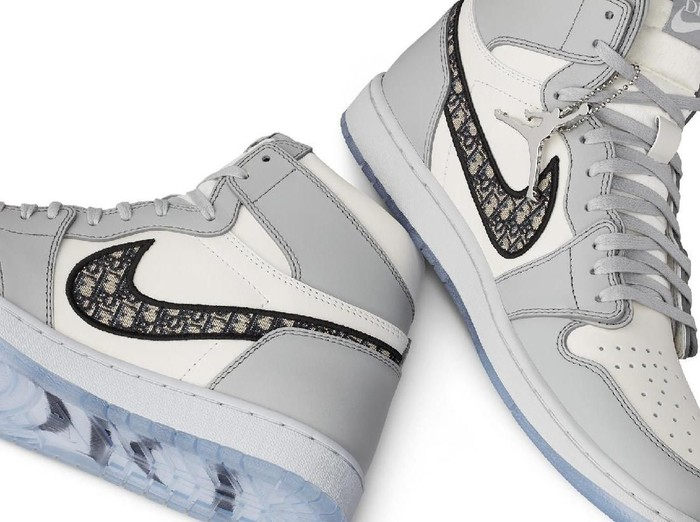 Sneakers Air Jordan I High OG Dior. (Foto: Dok. Nike)