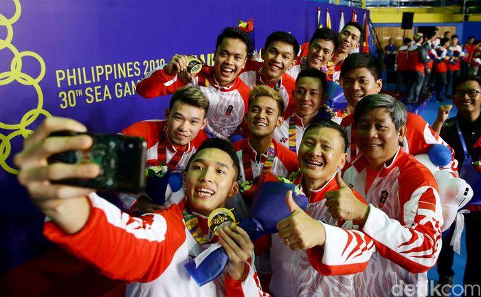 Bulutangkis beregu putra Indonesia meraih medali emas di ajang SEA Games 2019 yang berlangsung di Manila, Filipina.