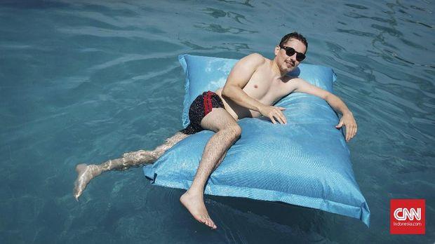 Jorge Lorenzo menikmati liburan 'one way ticket' di Bali. (
