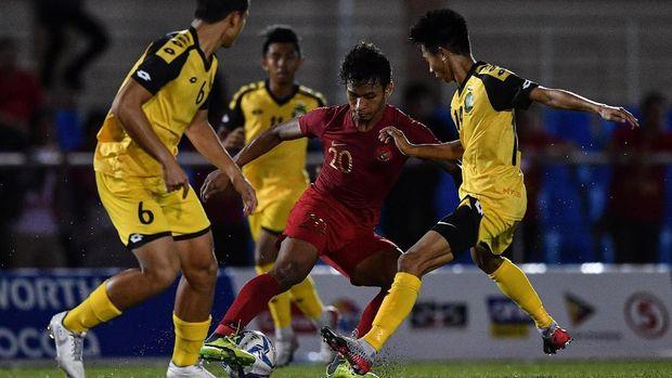 Indonesia sempat kesulitan mencetak gol di babak pertama.