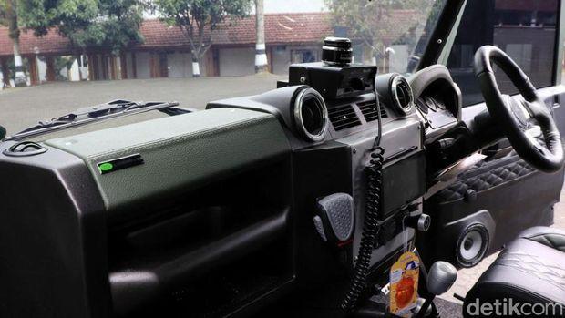Interior mobil yang proses pengerjaannya cukup lama