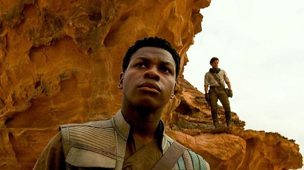 Rumor Romansa Antara 2 Karakter Pria di Star Wars, Ini Kata JJ Abrams