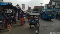 Warga Anggap Pemkab Bogor Tak Tegas Tertibkan PKL di Pasar Citeureup