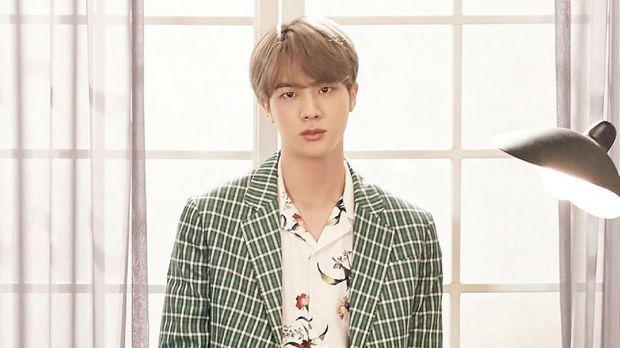 Jin BTS, Pria Tertampan yang Sempat Tolak Jadi Idol