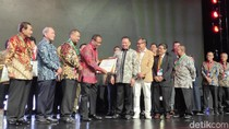 Momen CEO detiknetwork Terima Penghargaan Marketeer of The Year