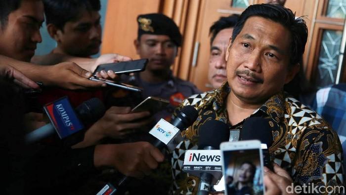 Mantan anggota DPR Bowo Sidik Pangarso divonis 5 tahun penjara dan denda Rp 250 juta. Ia terbukti bersalah menerima suap dan gratifikasi.