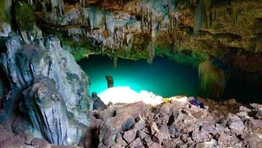 Ini Goa Cantik Kebanggaan Labuan Bajo