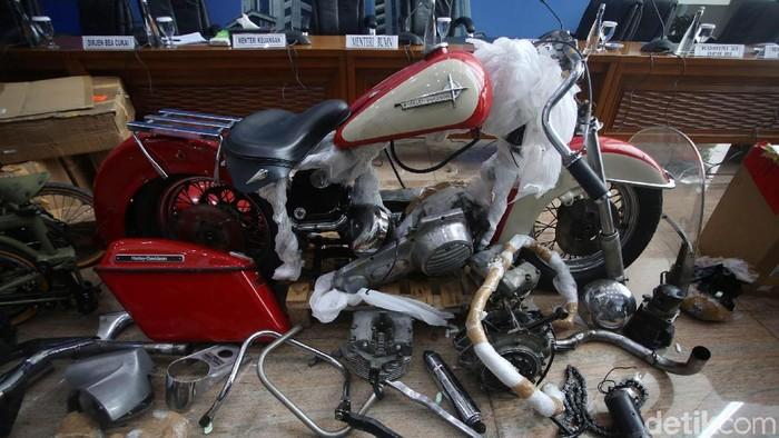 Penampakan Harley dan Brompton yang Diangkut Garuda