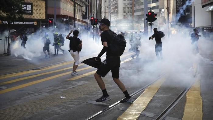 aksi-aksi demo di Hong Kong kerap diwarnai bentrokan (Foto: AP Photo)