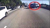 Viral Ambulans Dipaksa Beri Jalan untuk Rombongan Polisi