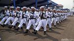 Potret Defile TNI Angkatan Laut di Hari Armada 2019