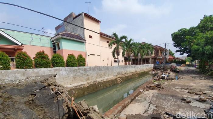 Tanggul Jebol di Bekasi (Isal/detikcom)