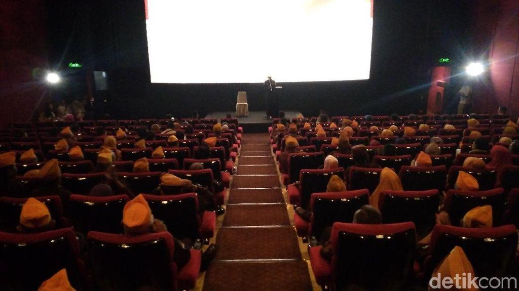 Serbu Studio Film, Veteran Cirebon: Kami Butuh Tertawa