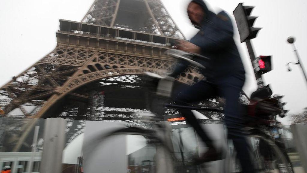 Ratusan Ribu Warga Prancis Demo Reformasi Pensiun, Ancam Aksi hingga Natal