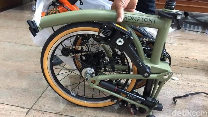 Foto: Sepeda Brompton yang dibawa pesawat Garuda Indonesia (Vadhia Lidyana)