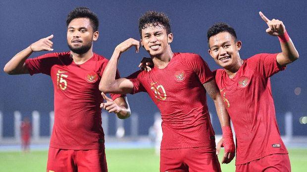 Osvaldo Haay (tengah) akan kembali menjadi andalan Indonesia vs Myanmar.