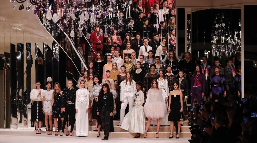 Chanel Pamer Koleksi Terbaru, Catwalk Digarap Sutradara Pemenang Oscar