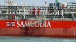 Melihat Dari Dekat Kapal Tanker Sinar Morotai
