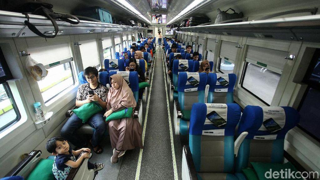 Segini Jumlah Tiket KA dan Pesawat yang Disiapkan untuk Layani Nataru