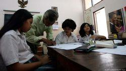 Peringkat 6 Terbawah, Indonesia Diminta Tinggalkan Sistem Pendidikan Feodalistik