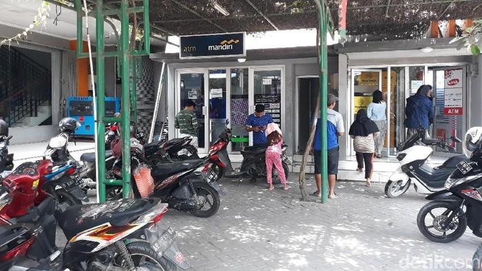 Lokasi penemuan uang Rp 2 juta yang akhirnya diserahkan ke bank. (Pradito Rida Pertana/detikcom)