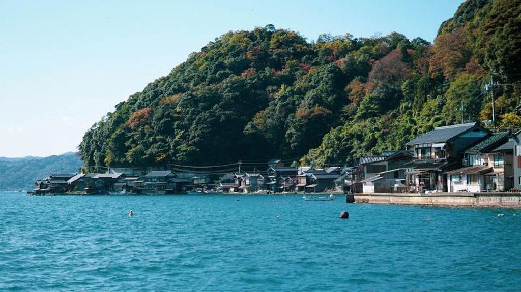 Secantik Ini Desa Nelayan di Jepang