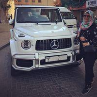 Mobil dengan plat satu angka di Dubai