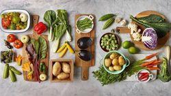 Wanita Ini Punya Trik Cerdas Saat Siapkan Bahan Masakan Untuk Seminggu