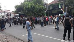 Bentrok di Depan Kantor PCNU Solo Reda, Massa Mulai Bubar