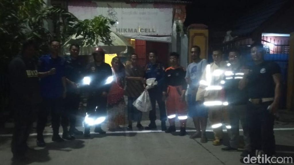 Lagi, Damkar Evakuasi 4 Sarang Tawon Vespa di Makassar