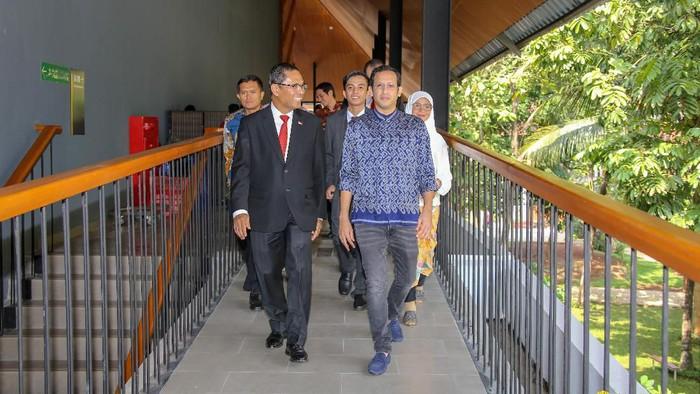 Menteri Nadiem Makarim di pelantikan rektor Universitas Indonesia. Foto: Dok Universitas Indonesia