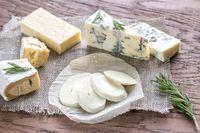 Proses Pembuatan Keju Tradisional Inggris yang Berusia Ratusan Tahun Lalu