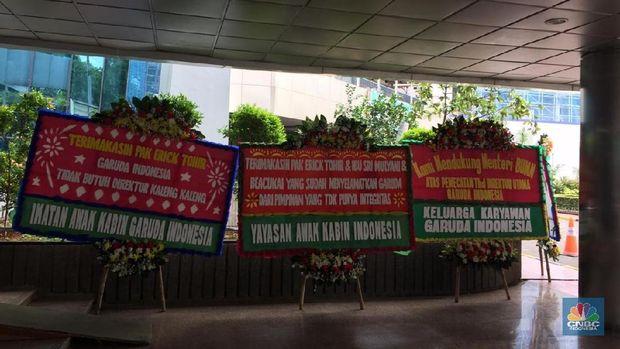 Dirut Garuda Dipecat, Lobby Kementerian BUMN Banjir Karangan