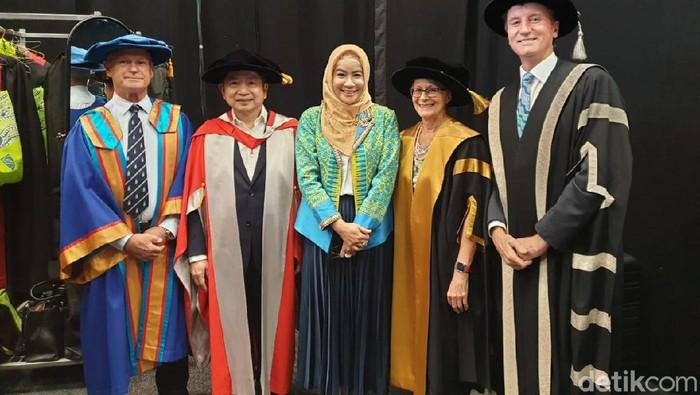 Suharso Monoarfa dapat gelar Doktor Honoris Causa dari Central Queensland University Australia (Foto: Dok. PPP)