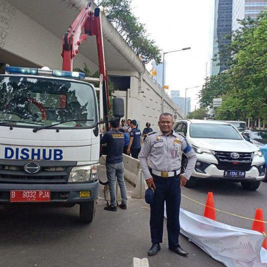 Sempat Dibongkar Paksa, U-Turn Jl Satrio Jaksel Ditutup Lagi