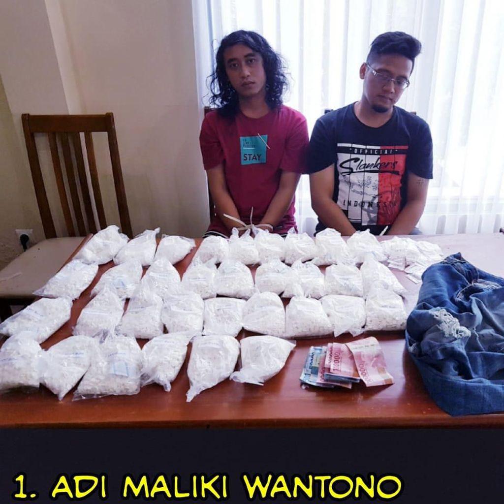 Polisi Tangkap Pengedar Puluhan Ribu Pil Koplo di Bali