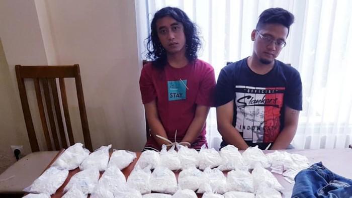 Foto: 2 Pria ditangkap di Bali karena edarkan pil koplo (dok. Istimewa)