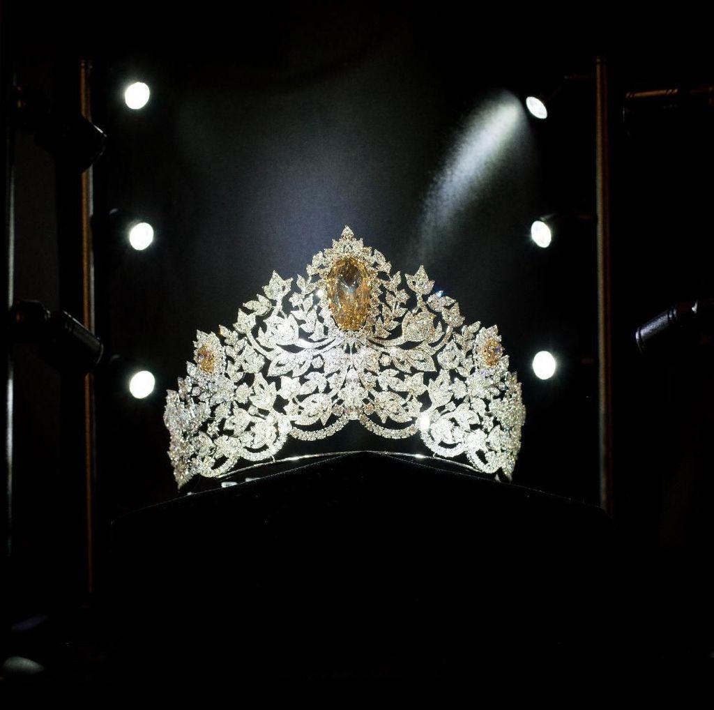 Melihat Lebih Dekat Mahkota Baru Miss Universe Senilai Rp 70 Miliar