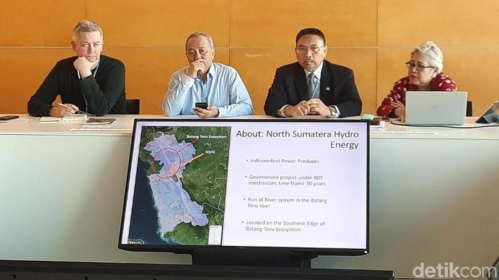 Foto: Penasihat Senior untuk Komisaris Utara PT NSHE Emi Hafild (kanan). (Amelia-detikcom)