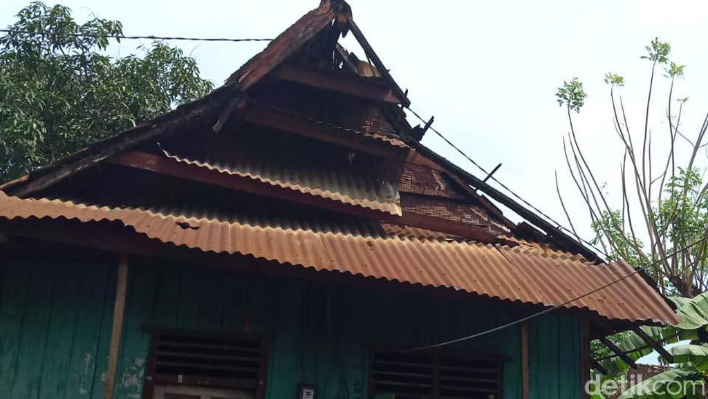 Sejumlah Rumah di Dompu NTB Rusak Akibat Angin Kencang
