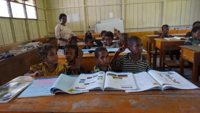 Sekolah di pedalaman papua