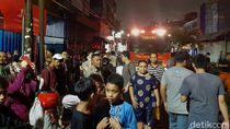 Sudah 3 Jam Kebakaran Mal Lokasari Belum Padam, Lalin Macet