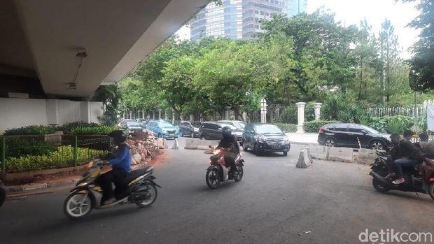 U-Turn di Jalan Satrio Jaksel.