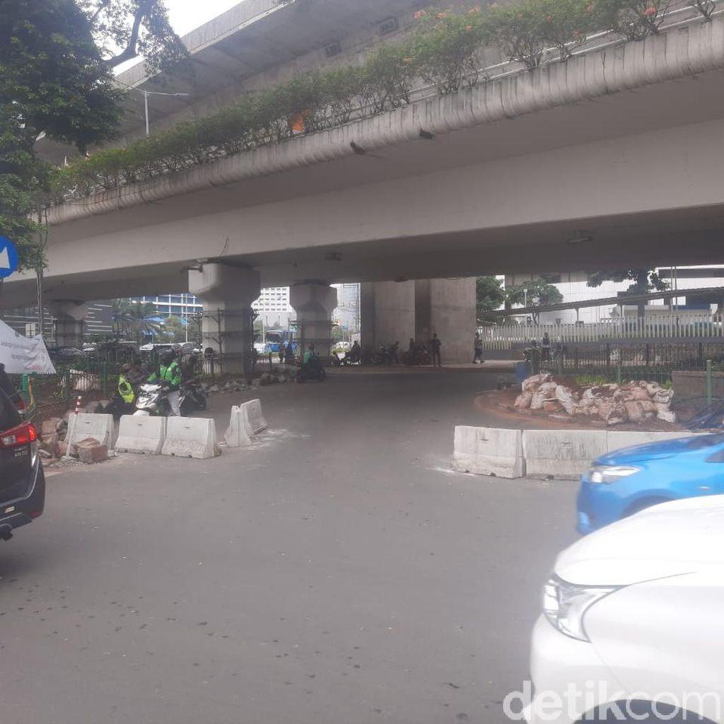 Pembatas U-Turn Jl Satrio Dibongkar Paksa, Dishub DKI Akan Tutup Lagi