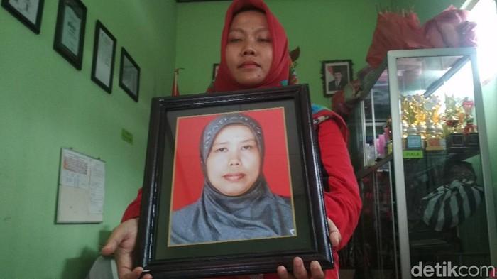 Potret Kepala TK Siti Fatimah (Foto: Adhar Muttaqin)