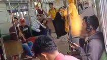 Ulah Penumpang KRL Bikin Heboh: BAB di Gerbong hingga Merokok Santuy